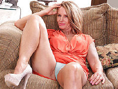 Hot canadian milf doing her toy boy
